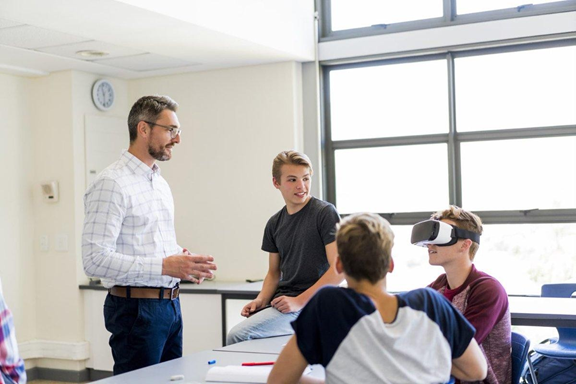 online-διδασκαλία-με-εικονική-πραγματικότητα